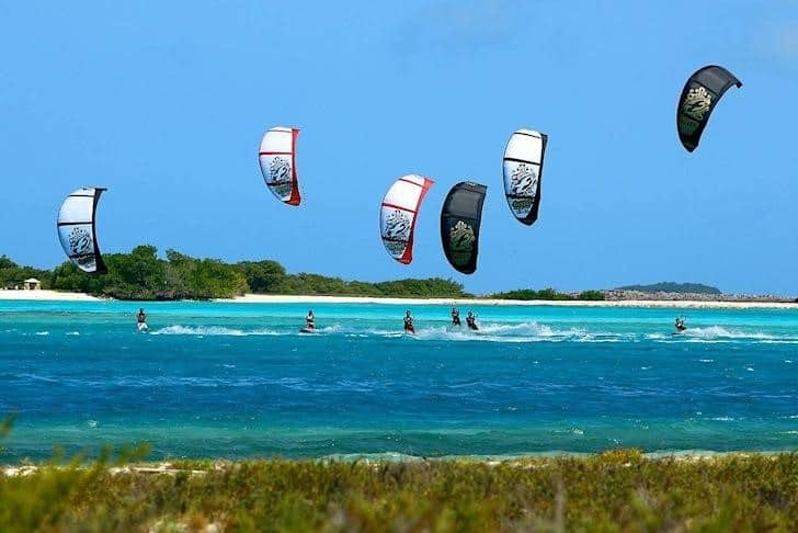 A beginner's guide to kite surfing
